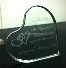 custom wedding gift item, heart crystal paperweight as wedding favors