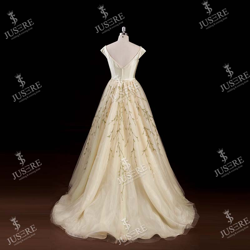 Latest Design Real Sample Ball Gown Cap Sleeve Beaded Evening Dress For Princess Made In China 2016