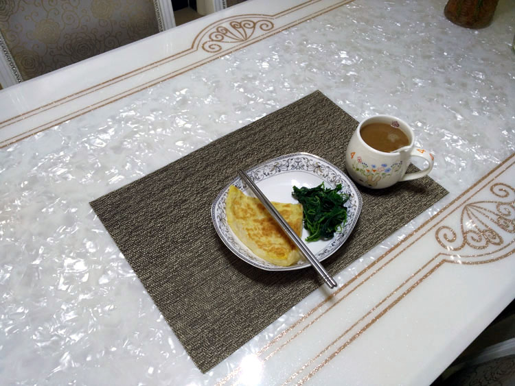 Luxury washable Golden hotel restaurant pvc woven placemats table mats