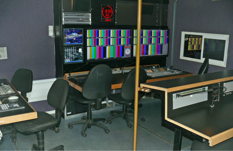 Moveable TV station / Studie Control / OB van 6-8 cameras