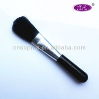 white face make up brush. makup brush