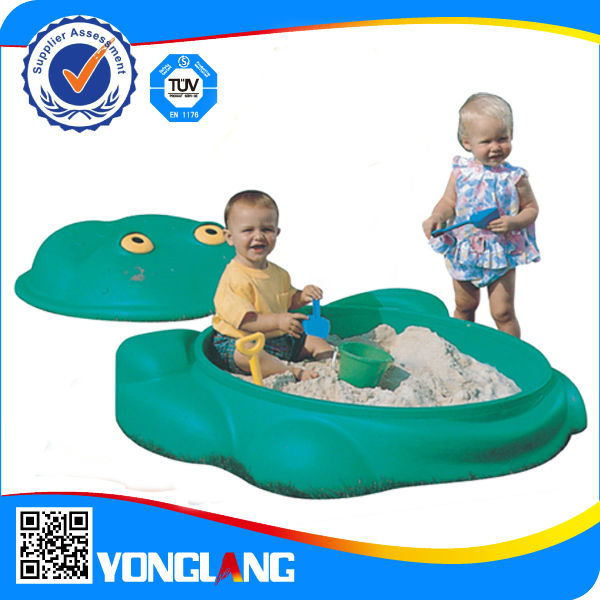 Plastic kids play set