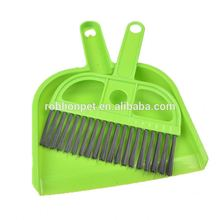 RoblionPet Hot sale lovely pet cleaning brush Soft Plastic mini pet cleaning brush sets with dustpan