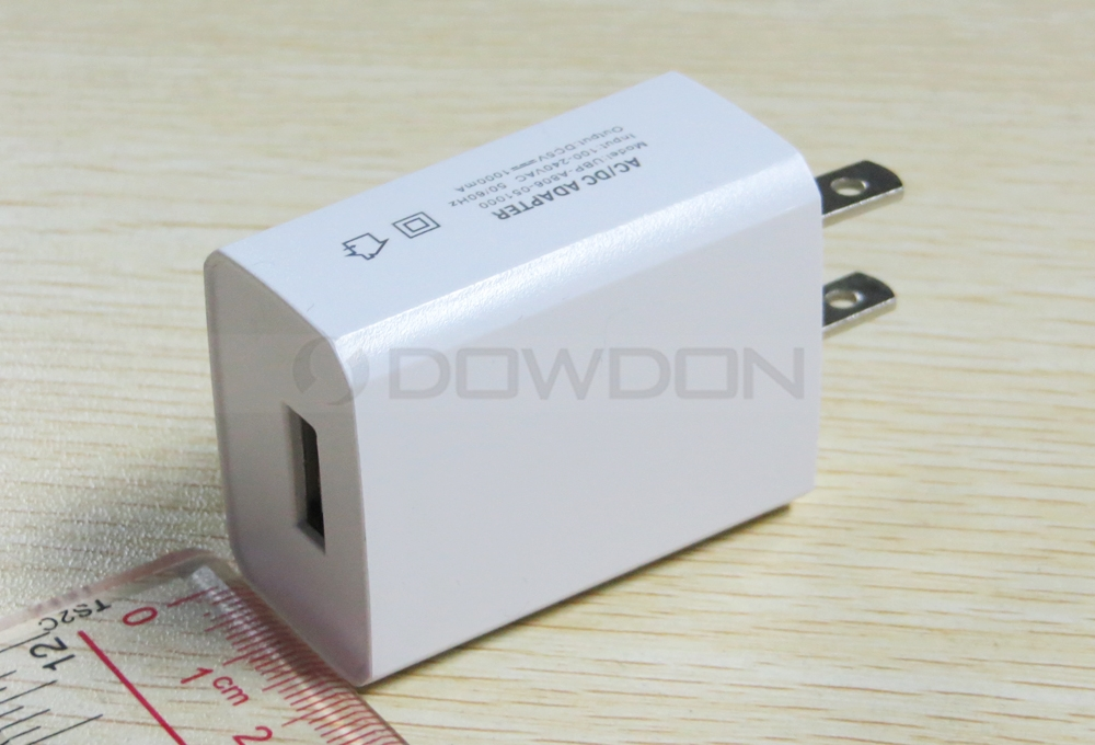 Universal 5V 1A US Plug AC Wall Charger Home Travel Adapter for iPhone and Android Cell Phone