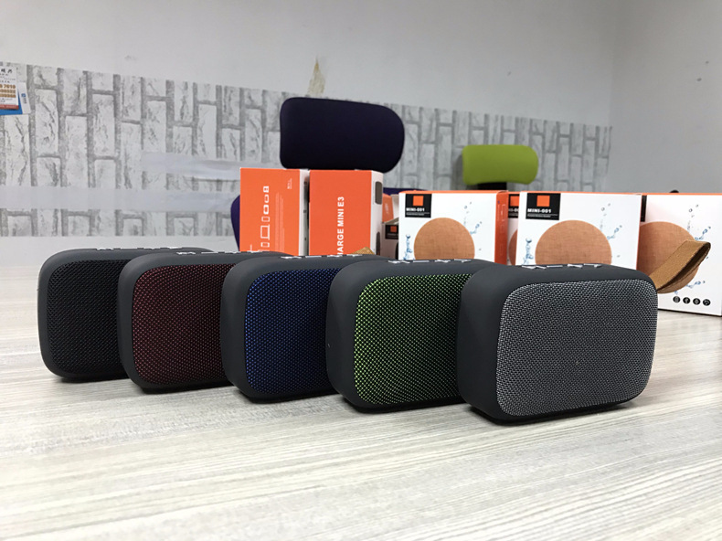 Soomes New design fabric square mini rohs bluetooth speaker box