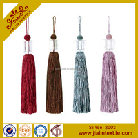 small decaoative tassel