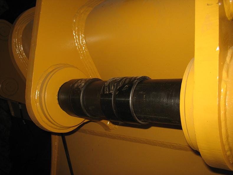 CAT330D 1.8M3 BUCKET PINS AND BUSHING-2