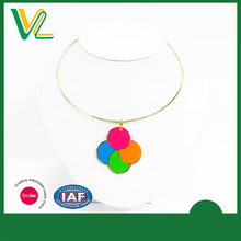 Manufacturer Fashion Die casting fluorescent paint Round Gift Silver Metal collar Necklaces for girl