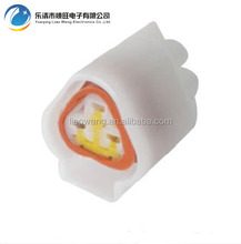 2.3mm Series 3 Pin Sealed Female White Triangle Connector