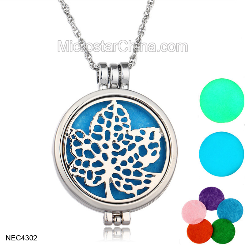 Amazon Hot Selling 2017 Locket Pendant 5 Colorful Pads Luminous Perfume Aromatherapy Essential Oil Diffuser Jewelry Necklace