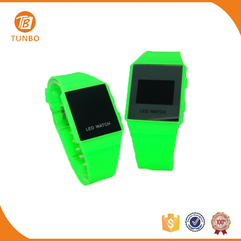 Beautiful waterproof silicone led kid watch