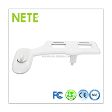 Personal Hygiene Quoss Retractable Nozzle Manual Toilets With Built In Bidet