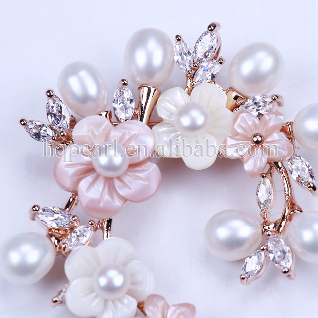 Wholesale metal pearl brooch,factory customized pearl bulk brooch