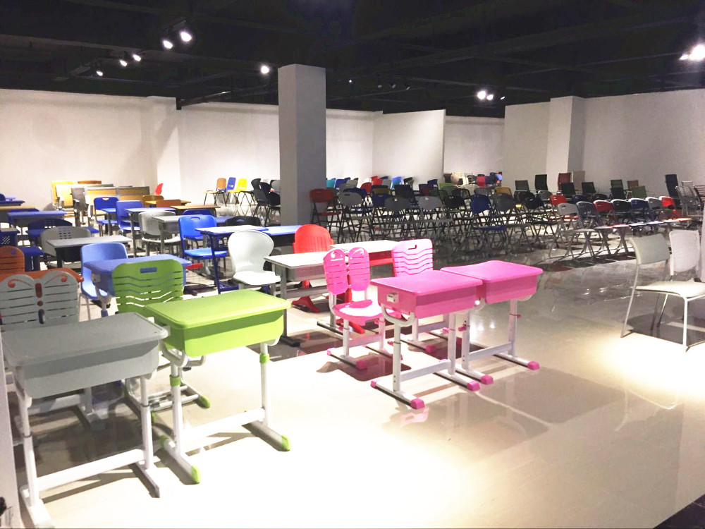 hot sale plastic chair for living room furniture stores