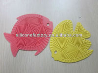 Eco friendly food grade colorful fish shaped baking silicone trivet,silicone placemat