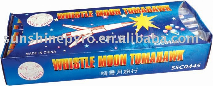 0445 Whistling Moon Travelling rocket pyrotechnics fireworks
