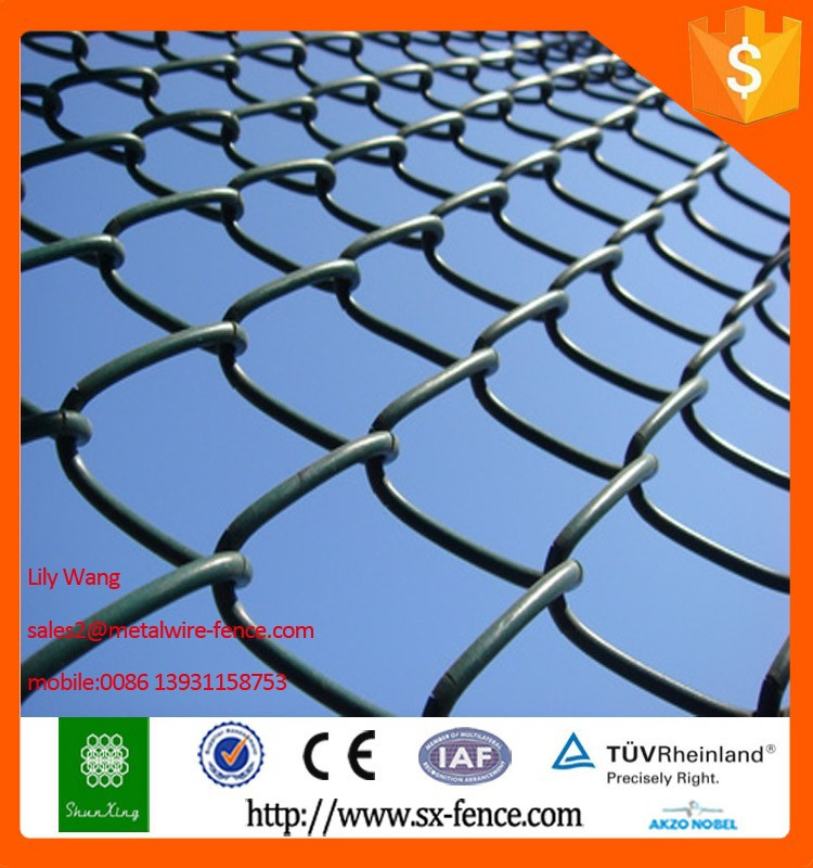 used in construction galvanzied pvc coated chain link fence with razor barbed wire on top