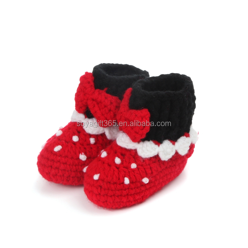 Newborn infant baby girl winter Red Knitted Crochet baby booties with bow
