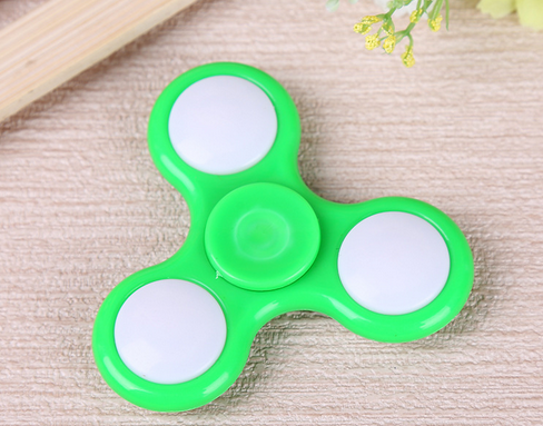 2017 Top-sales colorful High led game speed hand finger spinner