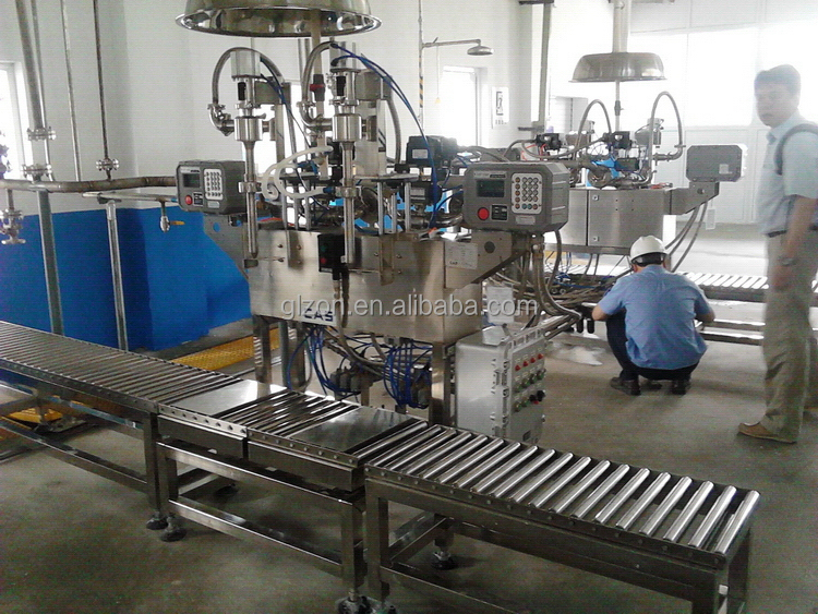 Super quality new products bottle robot oil filling machine