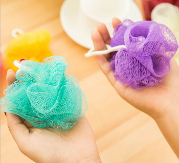Wholesale colorful flower shaped mesh bath sponge bath ball for family