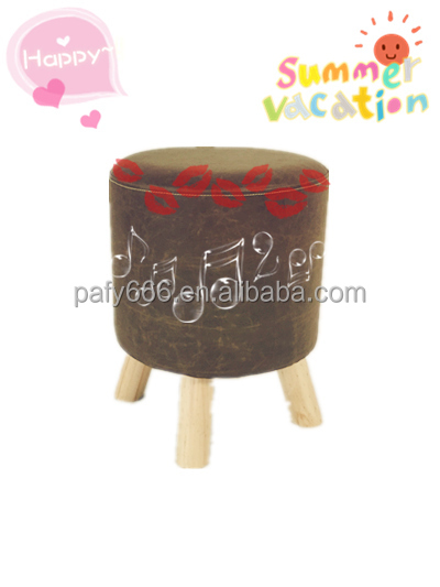 Circular shape leather stool with three solid wood feet