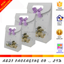 2018 the newest hot sale cute customized gift die cut paper bag with small bear design