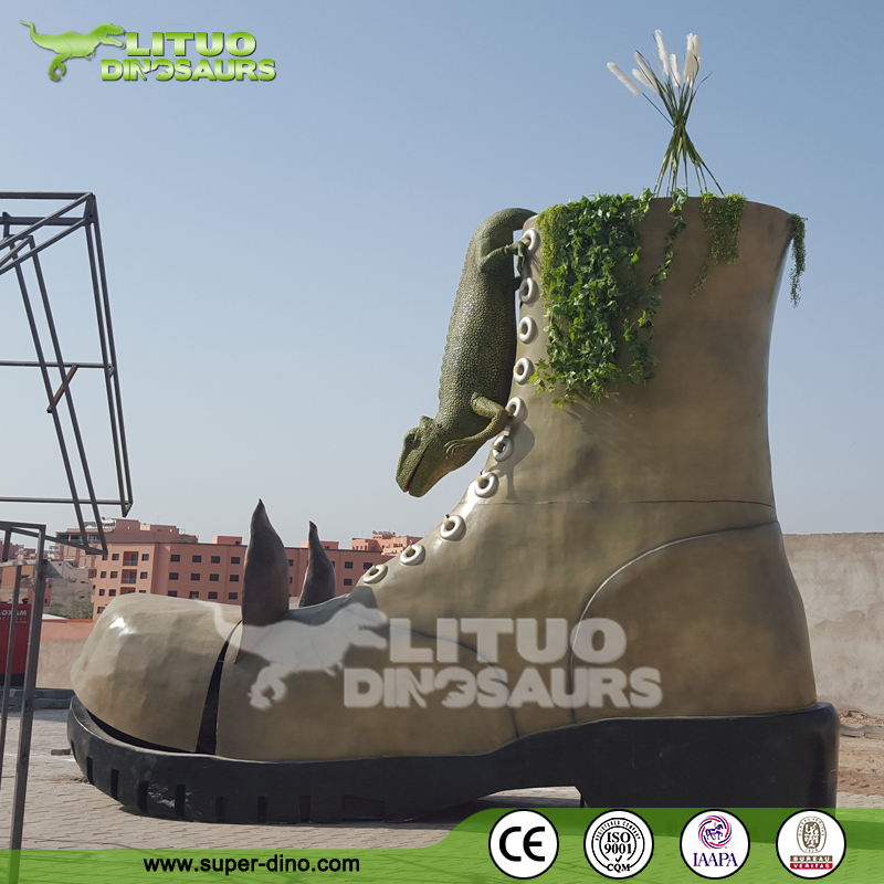Plaza Playground Large Fiberglass Statue Attractive Model Simulation Boot