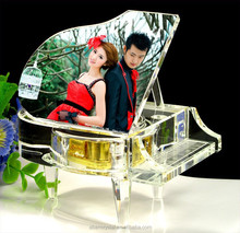 souvenirs crystal gift crystal piano music box