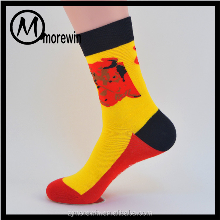 Morewin Brand wholesale colored good price fashion men socks manufacturer china