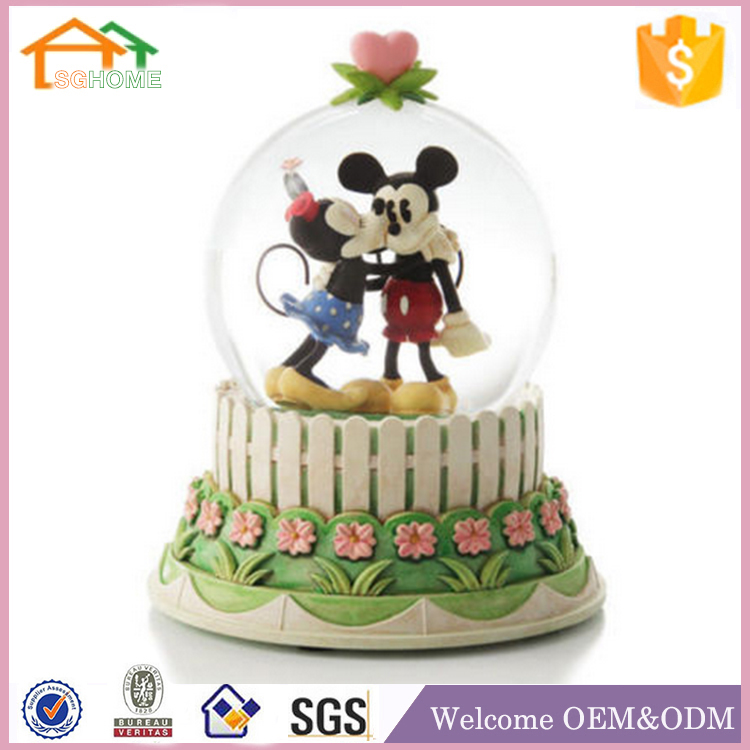 Factory Custom made best home decoration snow globe gift polyresin islamic artwork souvenirs