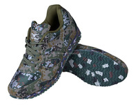 Camouflage sports running shoes