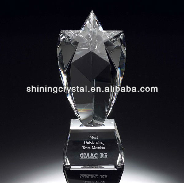 new design cheap star crystal trophy in china