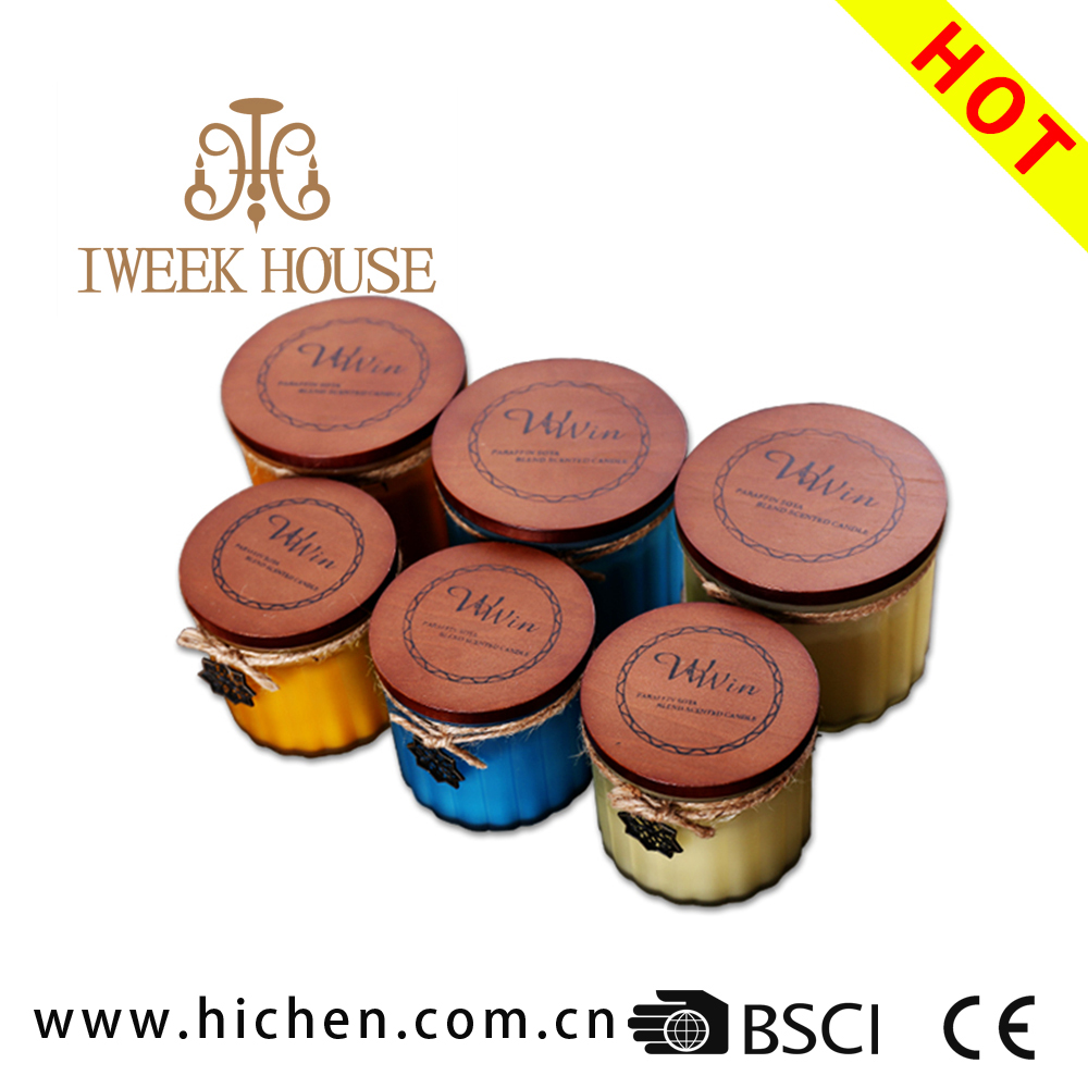 Cool design soy bean wax or paraffin wax colored glass jar high scented candle with wooden lid for holiday