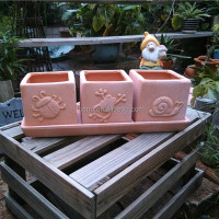 Attractive animal embossed rectangular terracotta flower pots with saucers