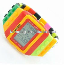 2013 hot sale digital silicone bracelet watch