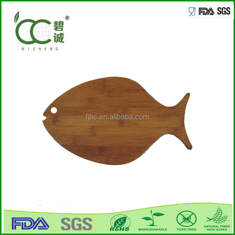 18-fish shaped bamboo cutting board what a mat board to cutting friut
