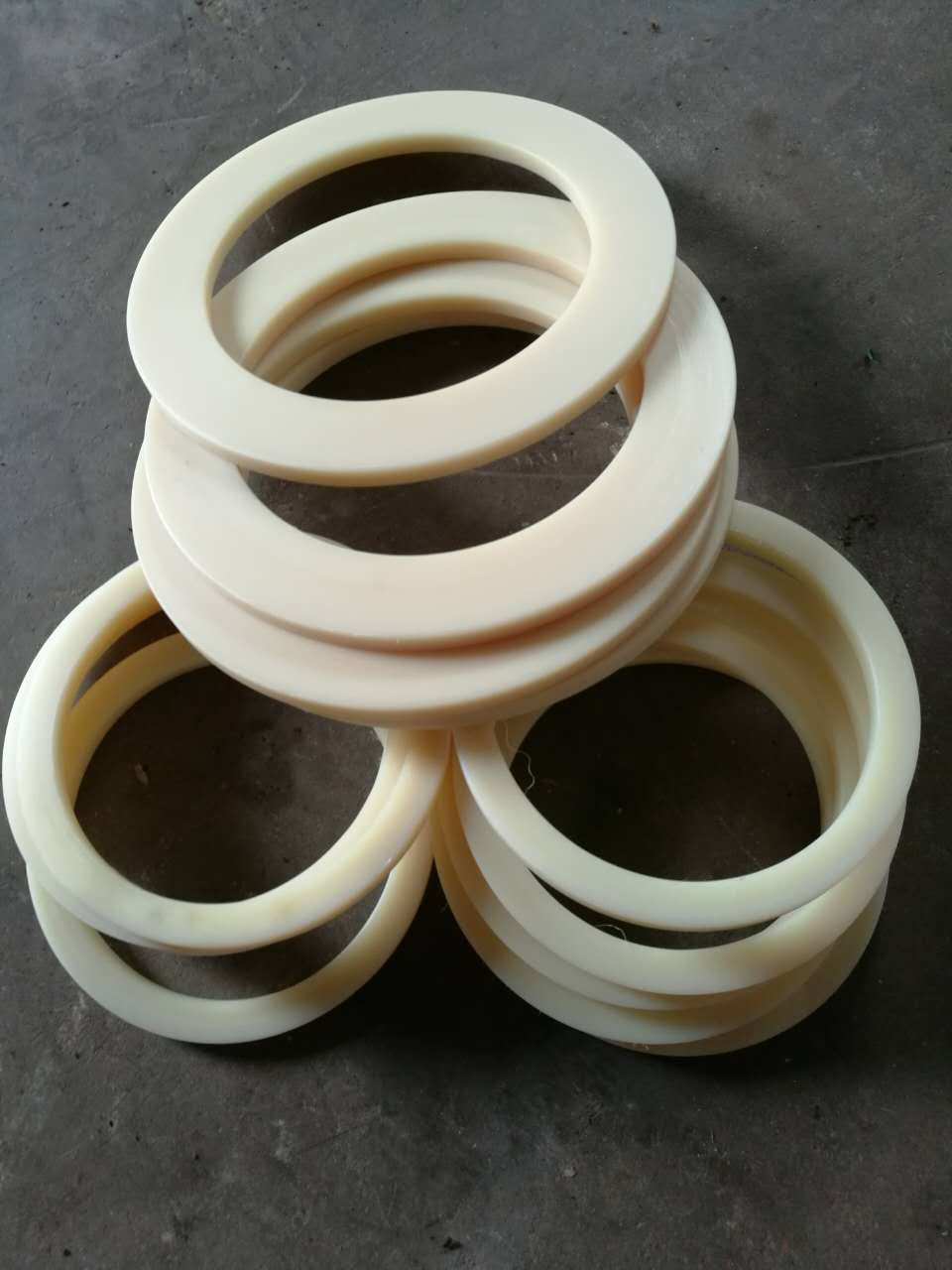 Sell all kinds of fine processing make nylon ring