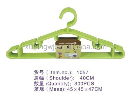 1057 xufeng hanger market using thin hanger with U noches flat plastic hangers with shoulder pads