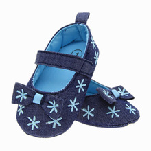 Lovely bow decoration toddler dress shoes baby prewalker shoes