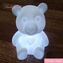 2018 hot sale unique wholesale LED bears gifts for wedding