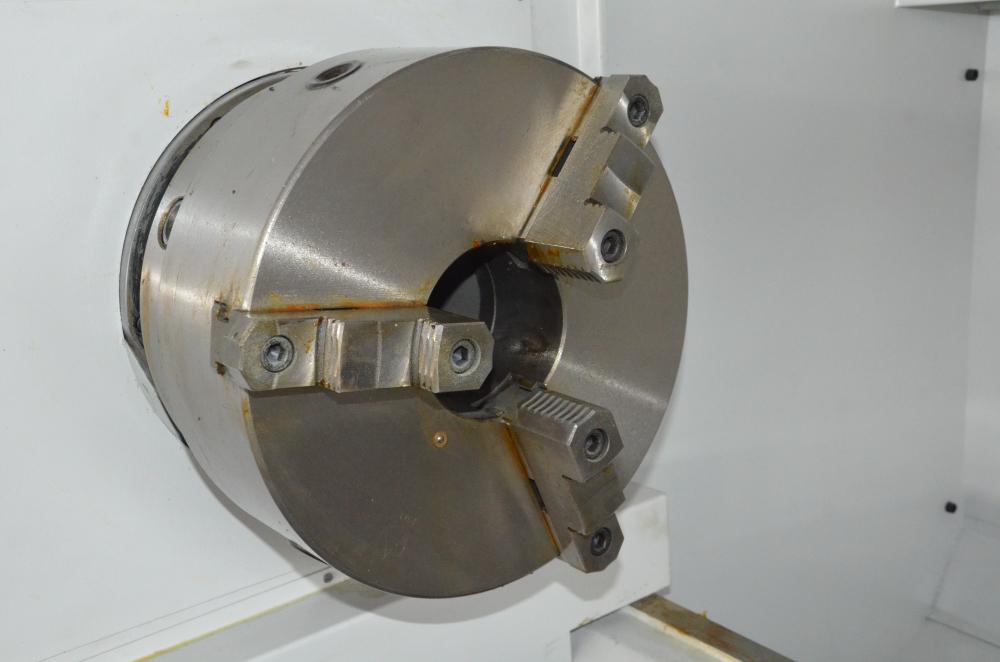 CK6263G CNC Hydraumatic Gap Bed Lathe Vertical 4 Инструменты / автоматический зажимной станок / трубчатый токарный станок