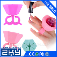 New Silicone Finger Wearable Nail Polish Holder Spill Prevention Nail Polish Bottle Holder Manicure Beauty Stand For Tools