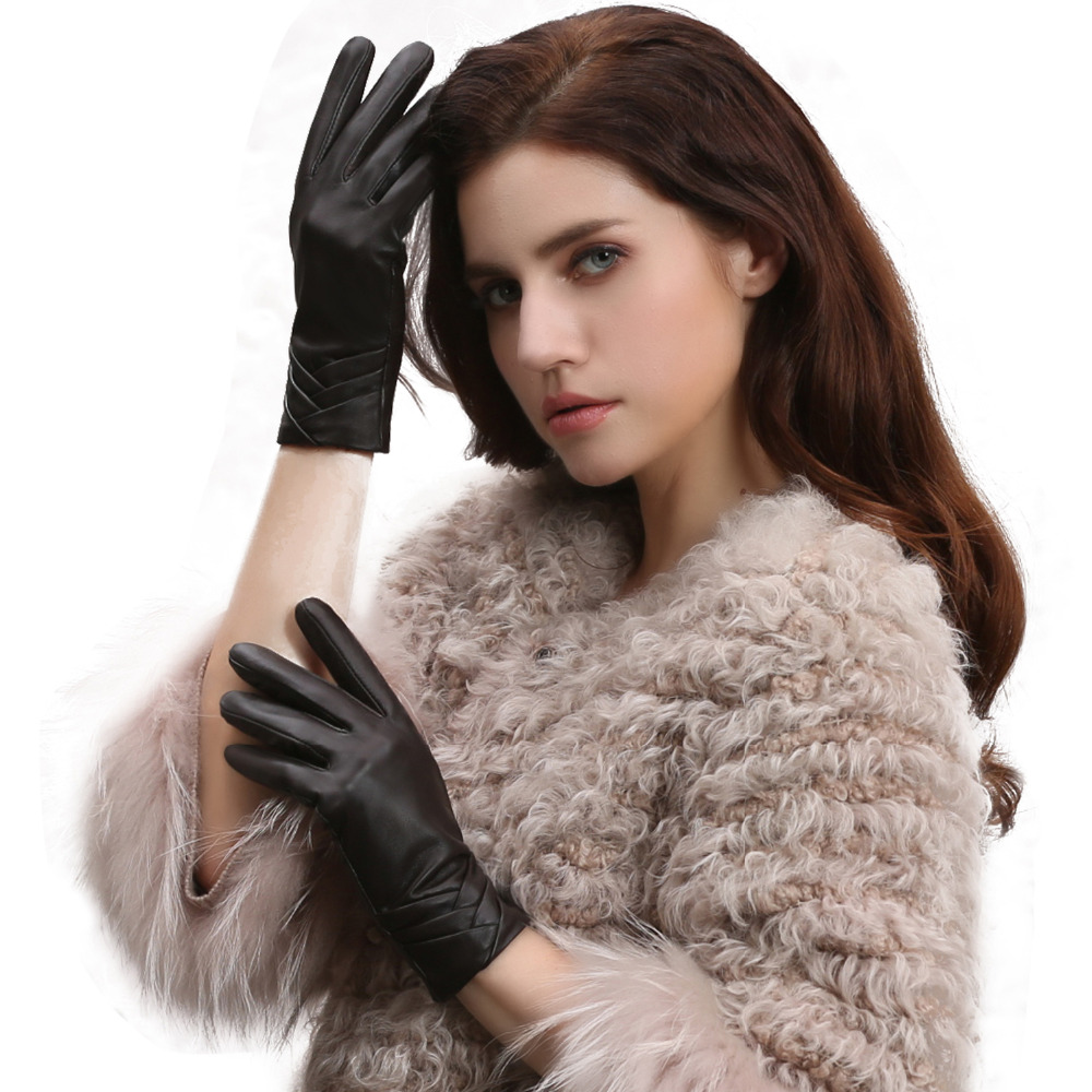 Basic Elegant Sheepskin Ladies Dressing Gloves