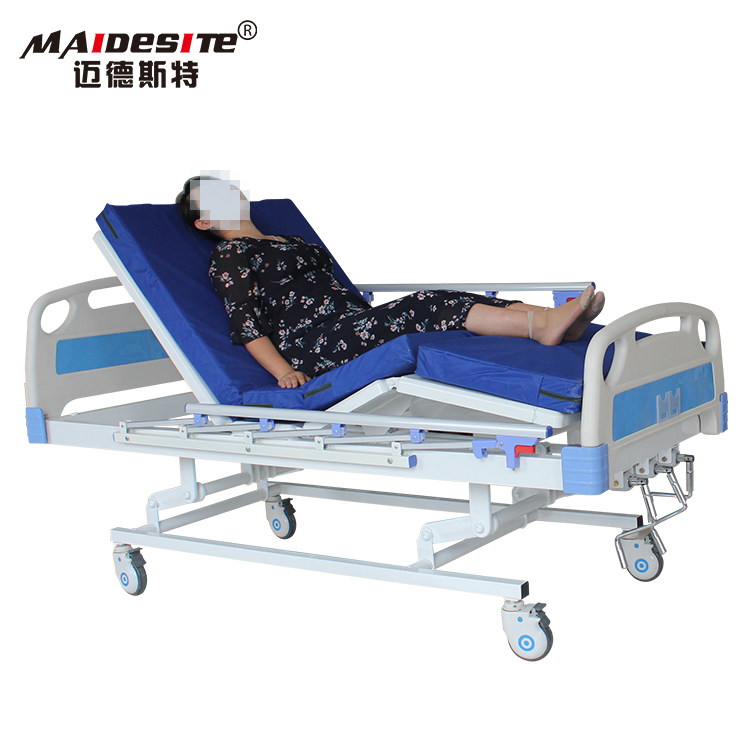 Three cranks manual hospital bed with aluminum side rails