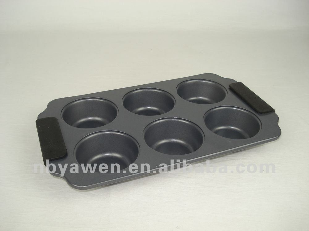 carbon steel muffin baking pan with silicone handle