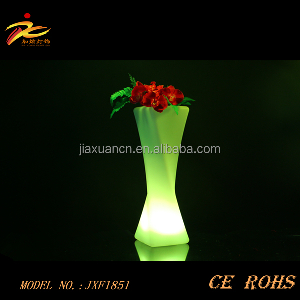 2015 cheap elegant plastic led flower pot/led planter/led vase