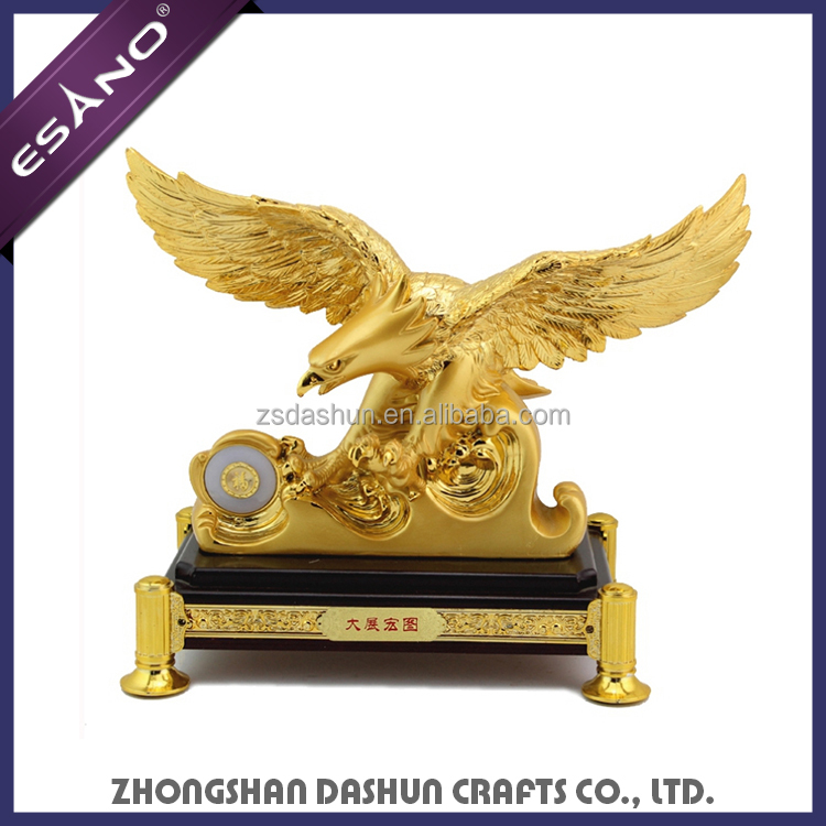 Handmade wholesale polyresin gold plated eagle statues