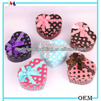 New style heart- shaped cardboard paper gift box/ candy box with a bow