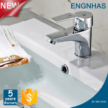 Low price deck mounted chrome finish artistic brass bathroom faucet for bathroom